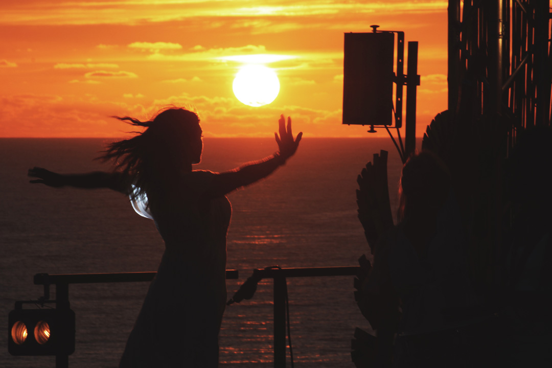 Sunset Girl Dancing Boardmasters
