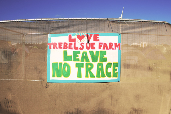 Leave no trace sign Boardmasters